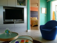 zimmerman-bahamas-livingroom-entertainment-2010